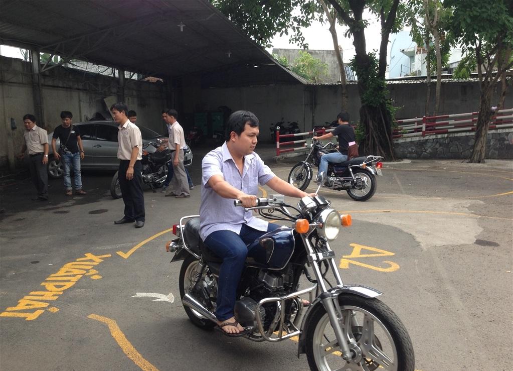 Học bằng lái xe máy A1 Quận Phú Nhuận Thi Bằng Lái Xe Máy A1 Quận Phú Nhuận – Lịch Thi Hằng Tuần – Lấy Bằng Nhanh – Phí Trọn Gói Ra Bằng Thi Bằng Lái Xe Máy
