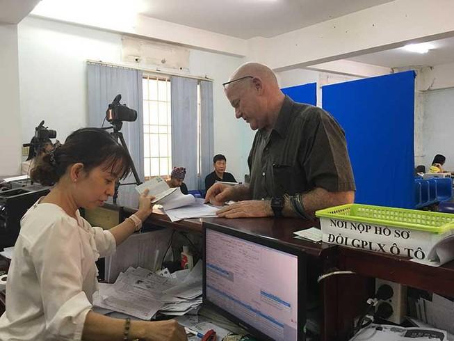 Thi bằng lái xe a2 cho người nước ngoài tại Việt Nam